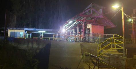 Bomberos de la Primera Compañía de Puente Alto no encuentran a persona reportada tras caída en el Canal La Carburera